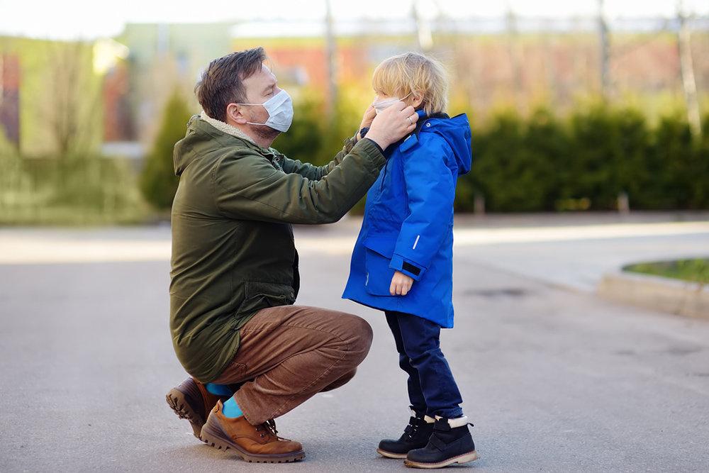 Yaponiya alimləri: 3 yaşına qədər uşaqlar maska taxmamalıdır