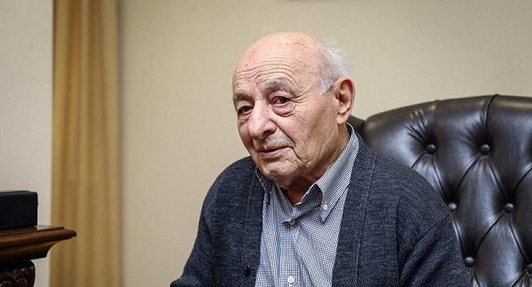 92 yaşlı akademik Ömər Eldarov koronavirusaYOLUXDU
