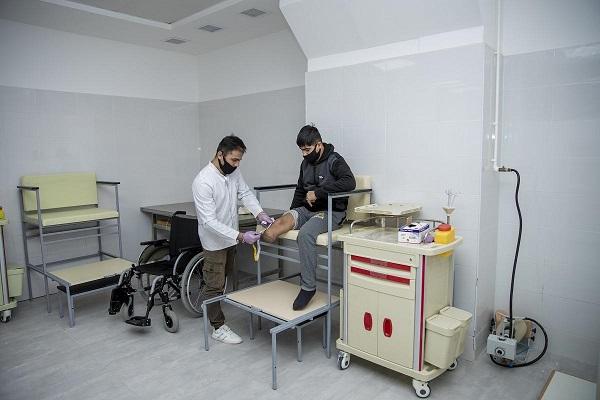 Daha bir müharibə qazisi yüksək texnologiyalı protezlə təmin olunur