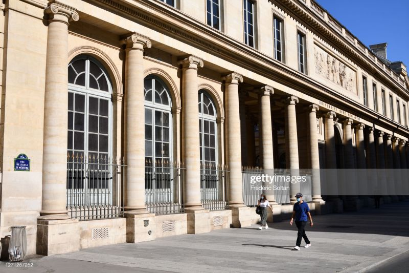 Nəqliyyatda mobil telefondan istifadəqadağan olunmalıdır -Fransa Tibb Akademiyası
