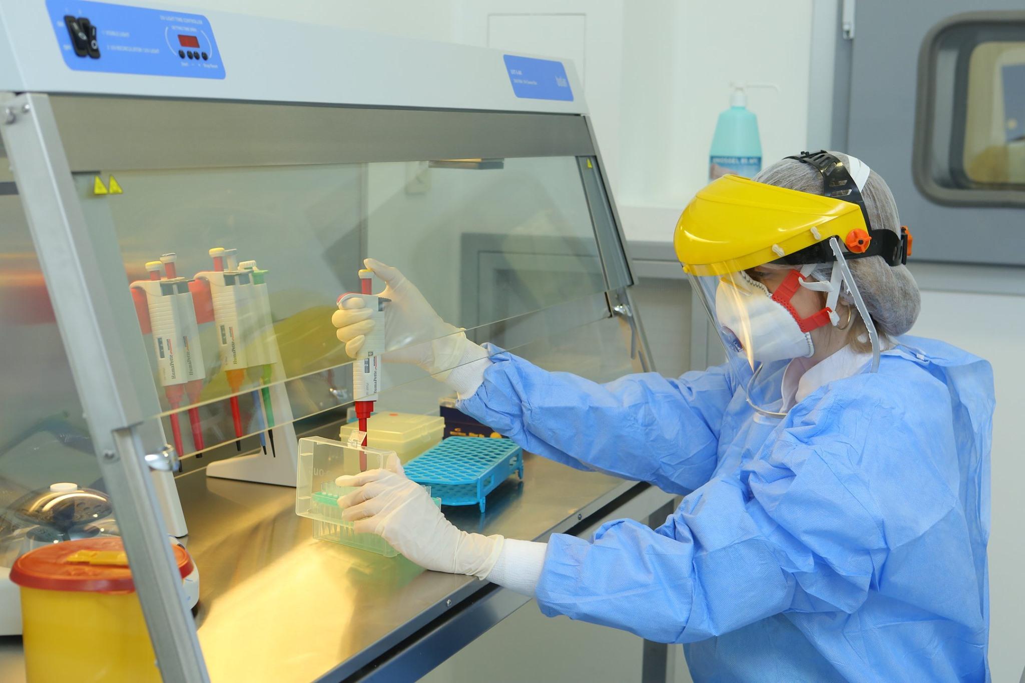 Avropada pandemiya başlayandan ölüm hallarının sayı bir milyonu ötüb