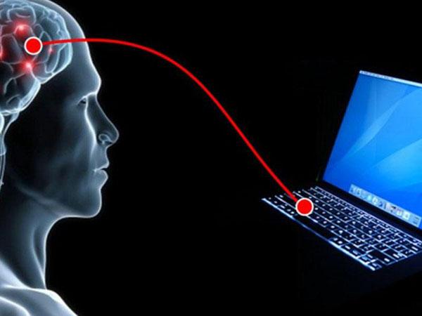 Tarixdə ilk: İnsan beyni kompüterə kabelsiz qoşuldu