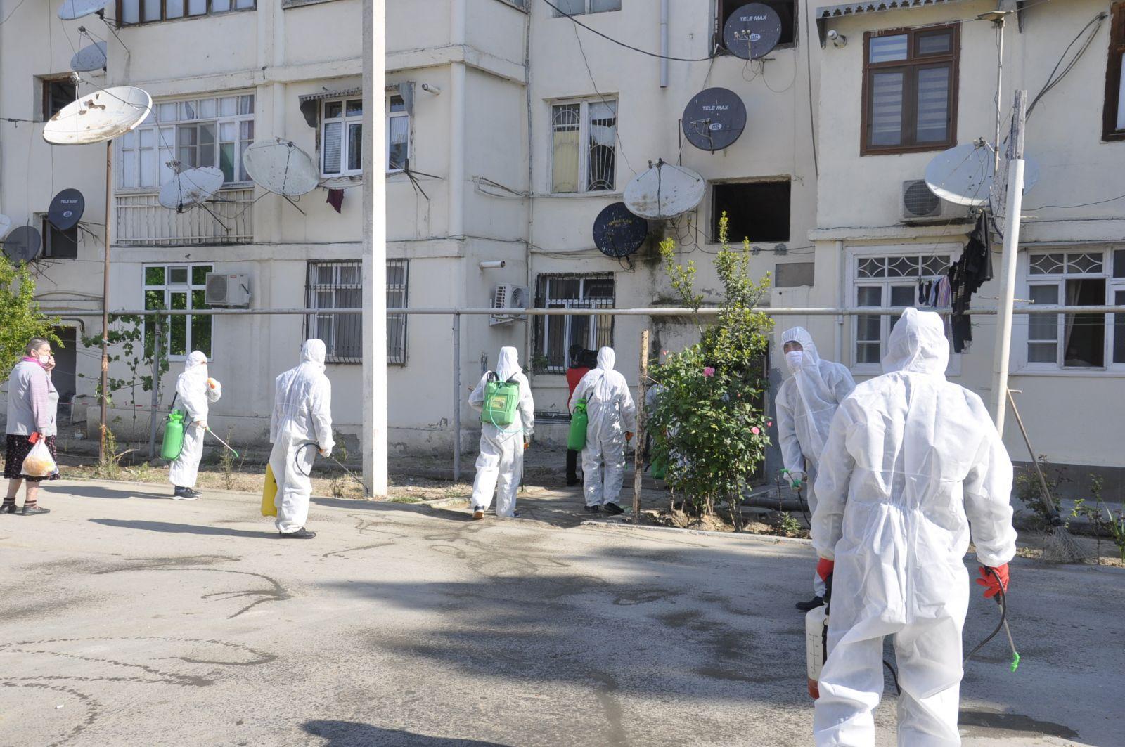 İctimai yerlərdə koronavirus xəstələri saxlanılıb