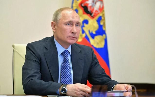 Putin vaksinin ikinci dozasını vurdurub