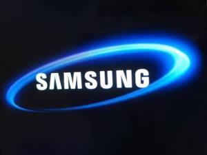 """""""Samsung"""" tibb sahəsində tətbiq üçün elastik ekranlar hazırlayır"""