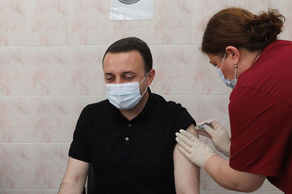 Gürcüstanın baş naziri ölkədə məcburi vaksinasiyaya yol verməyəcəyini bildirib
