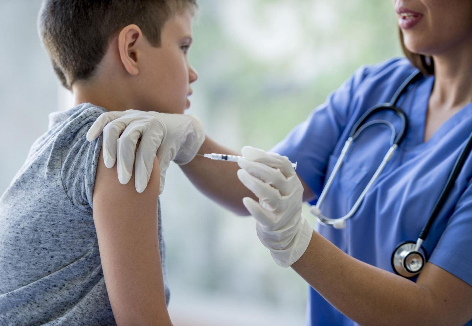 Çində üç yaşdan yuxarı uşaqların vaksinasiyası başlayacaq